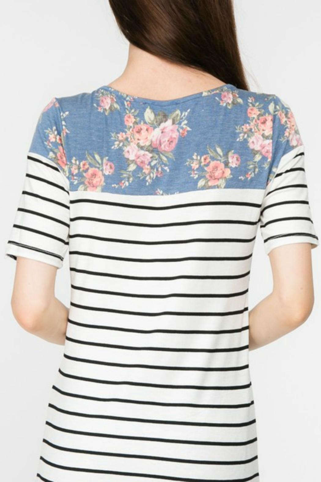 Adora Flowers-And-Stripes Long Tee - Side Cropped Image