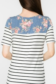 Adora Flowers-And-Stripes Long Tee - Side cropped