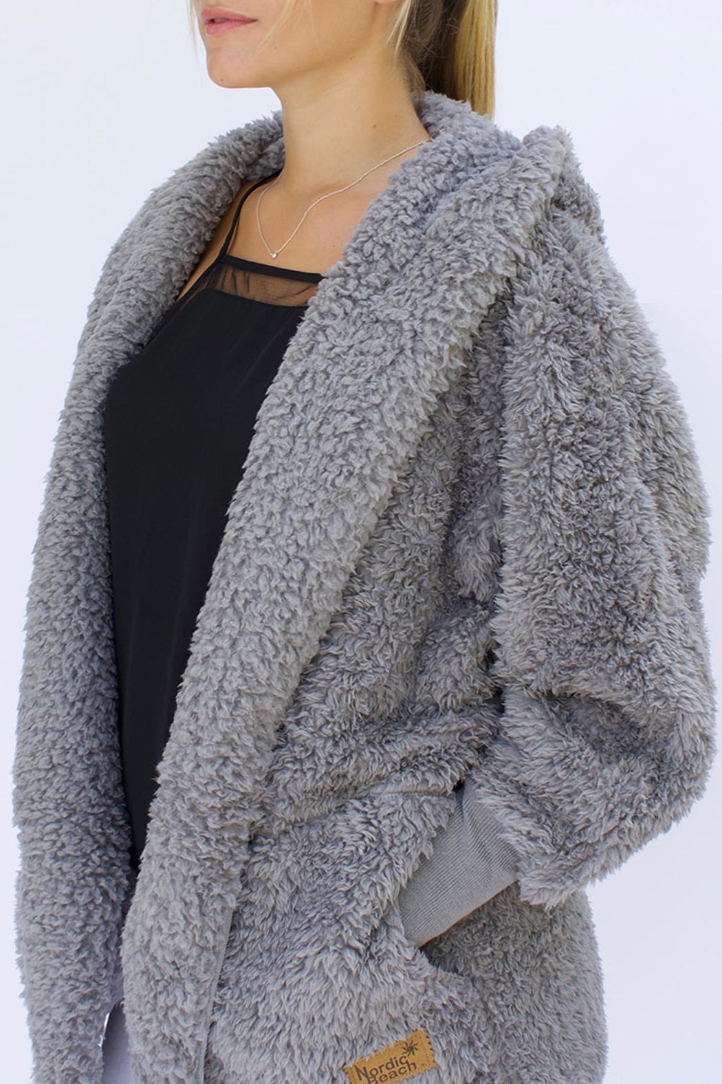 Nordic Beach Fluffy Fleece Wrap - Front Cropped Image