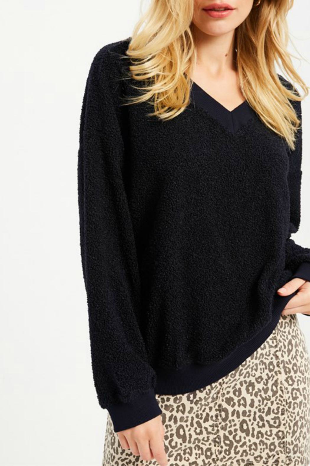 Wishlist FLUFFY V-NECK SWEATER - Main Image