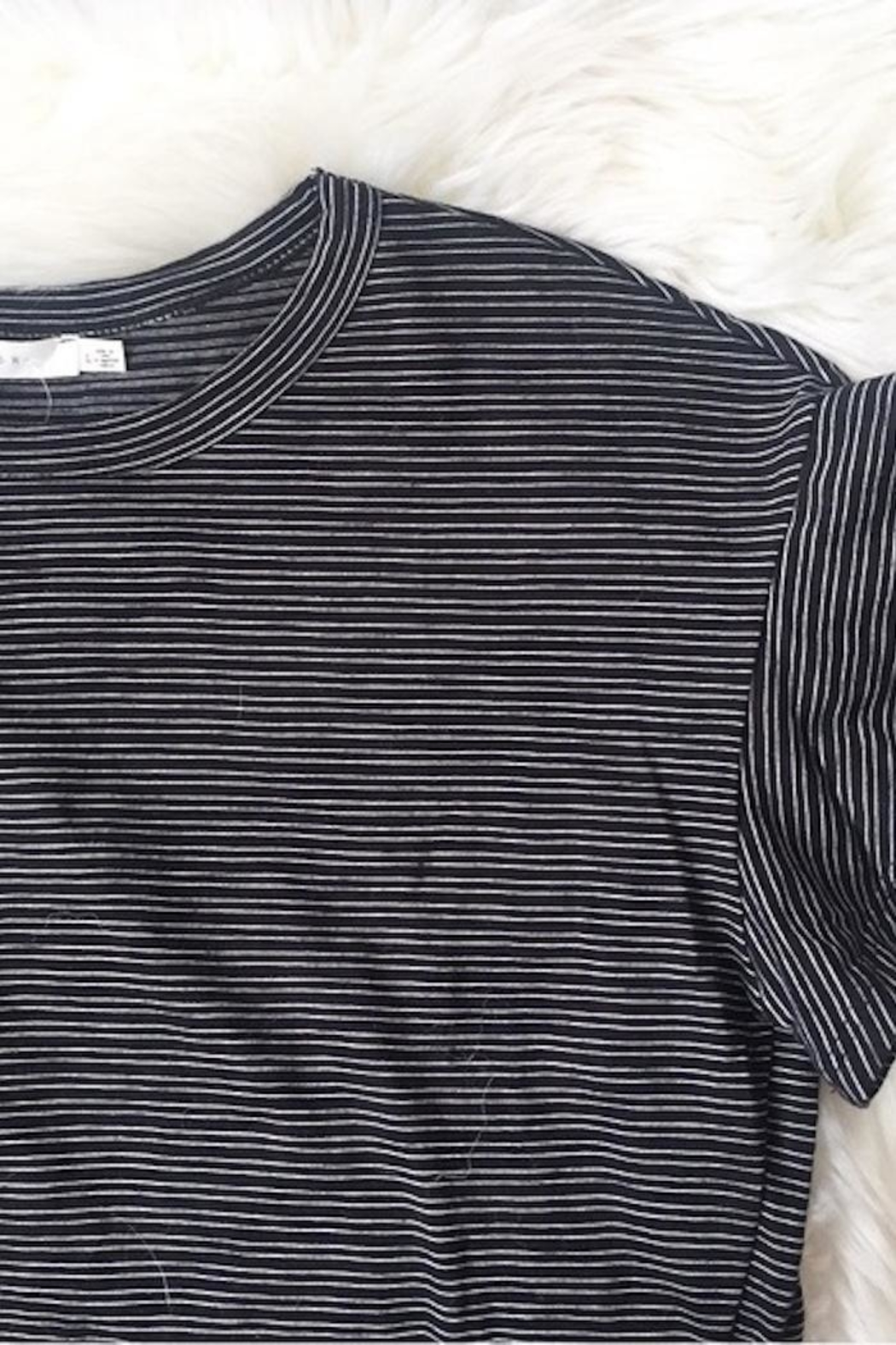 Lush Flutter Sleeve Tee - Side Cropped Image