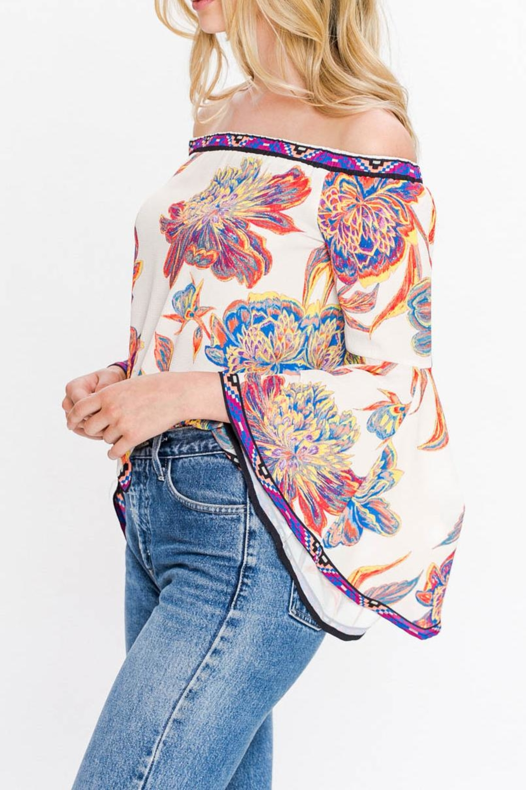 Flying Tomato Off Shoulders Floral - Side Cropped Image