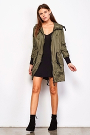BB Dakota Flynn Anorak - Front cropped
