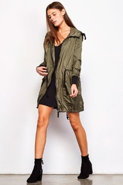 BB Dakota Flynn Anorak - Front full body