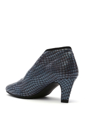 United Nude fold light mid - Front full body