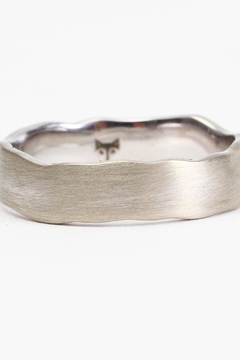 Fox and Beaux The Hawkweed Ring - Alternate List Image