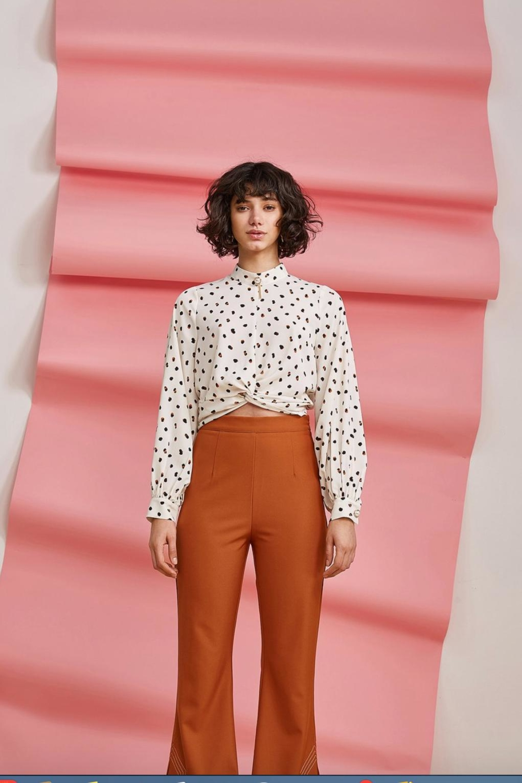 Foxiedox Dorothea Crop Blouse - Front Full Image