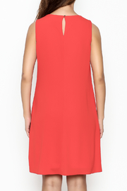 Frank Lyman Coral Shift Dress - Back cropped