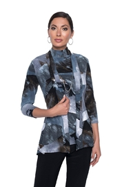 Frank Lyman Abstract Print Cardi - Front cropped