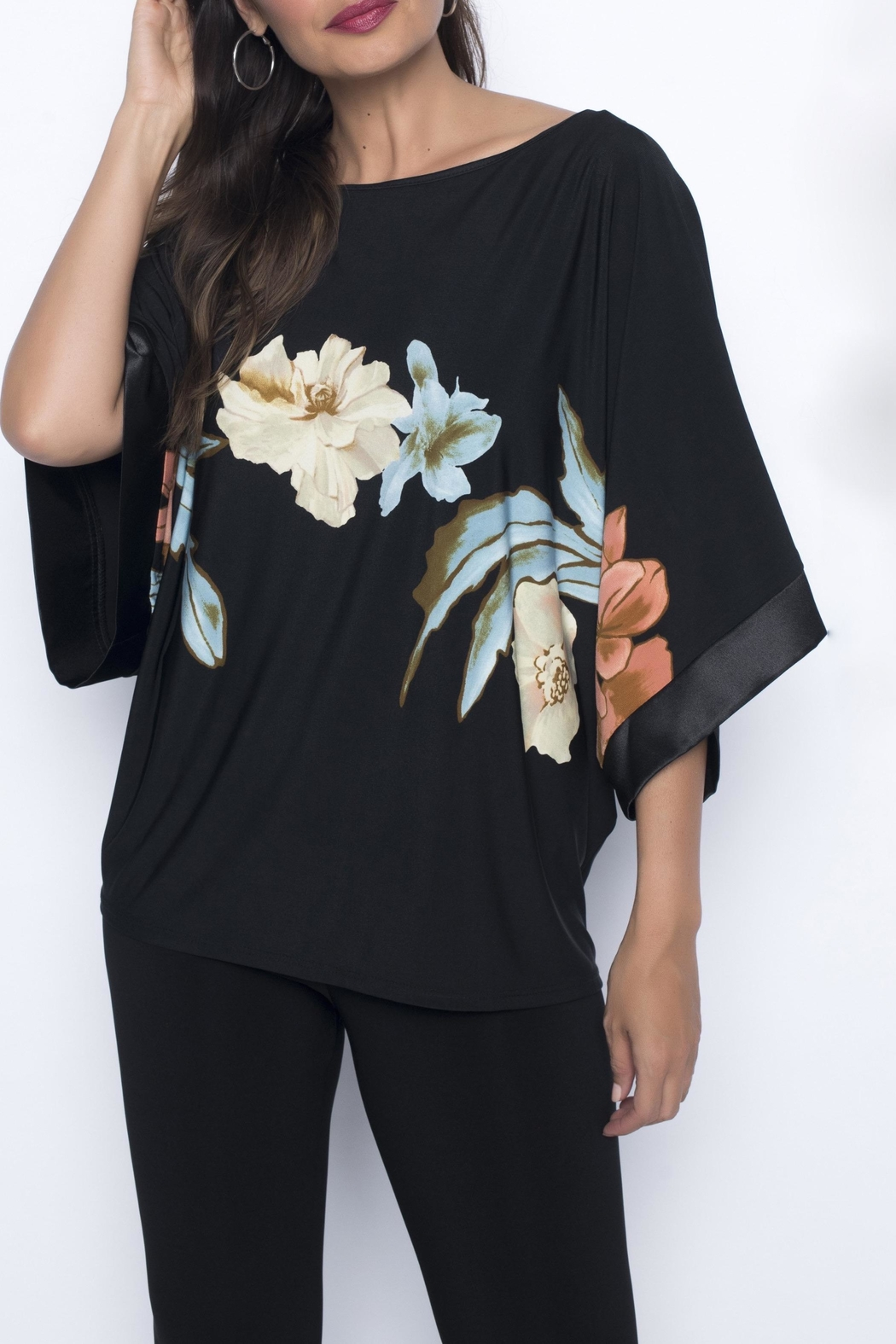 Frank Lyman Tropical Flowers Top - Front Full Image