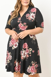 Le Lis Frankie Floral Dress - Product Mini Image