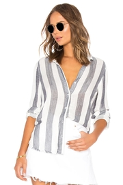 Bella Dahl Fray Button Down - Front cropped