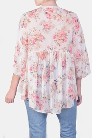 Miss Love Free-Spirit Embroidered Kimono - Side cropped