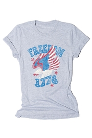 BELLA II CLOSET Freedom Tee Shirt - Front cropped