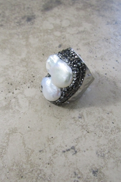 Ole' FRESHWATER PEARL CRYSTAL CUFF RING - Alternate List Image