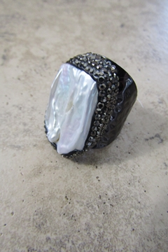 Ole' FRESHWATER PEARL CUFF RING - Alternate List Image