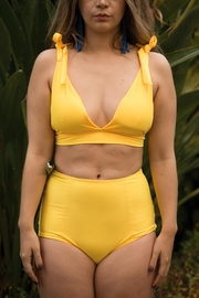 Fridasch swimwear Vintage High-Waisted Yellow - Back cropped