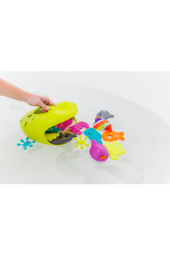 boon by Tomy Frog Pod Scoop Toy - Alternate List Image