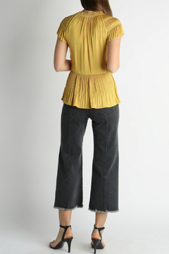 Current Air Front twist pleated top - Alternate List Image