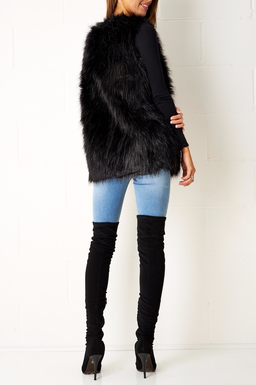 frontrow Faux Fur Gilet - Side Cropped Image