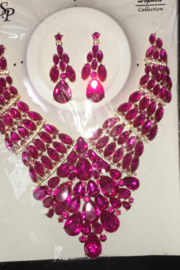 Fashion Fuchsia  Rhinestone  Diva necklace Set - Front full body