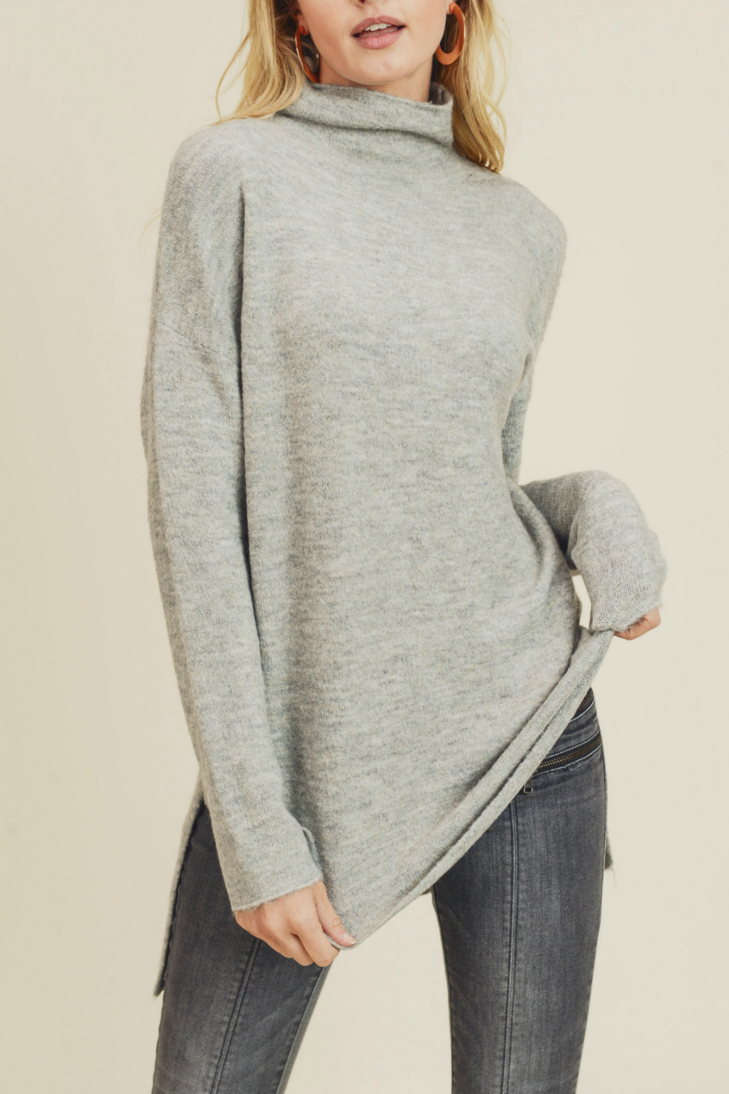 Doe & Rae FUNNEL NECK & DROPPED SLEEVES KNIT - Main Image