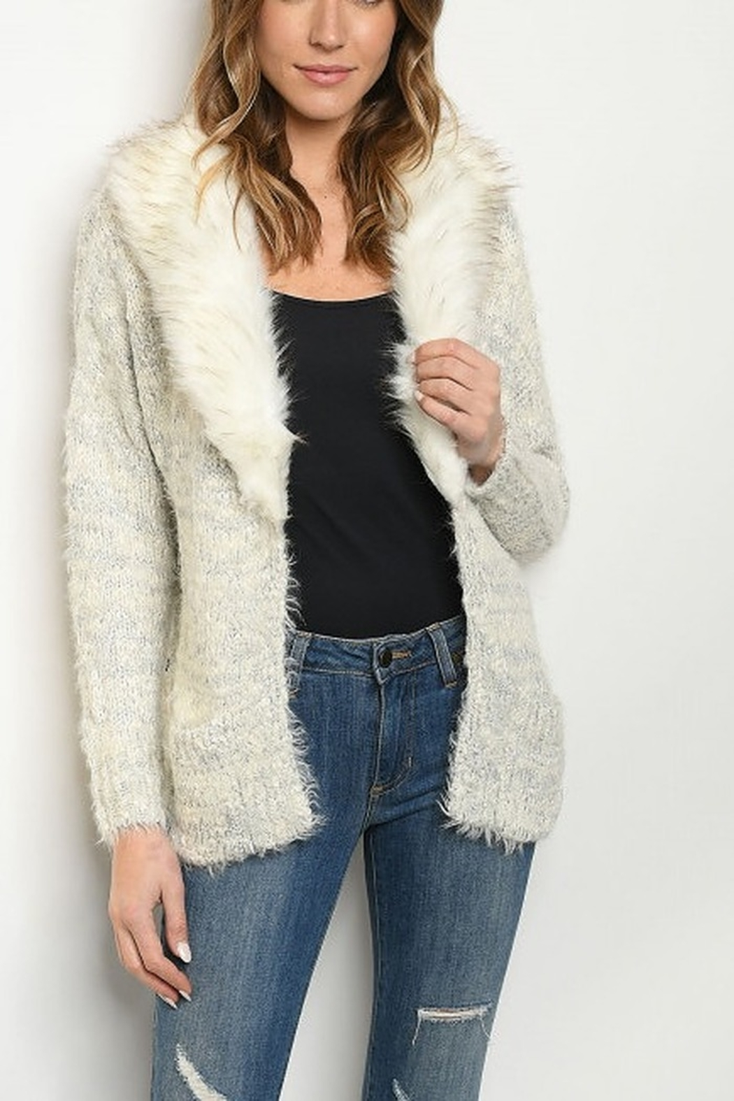 Lyn -Maree's Fur Collar Sweater - Front Cropped Image