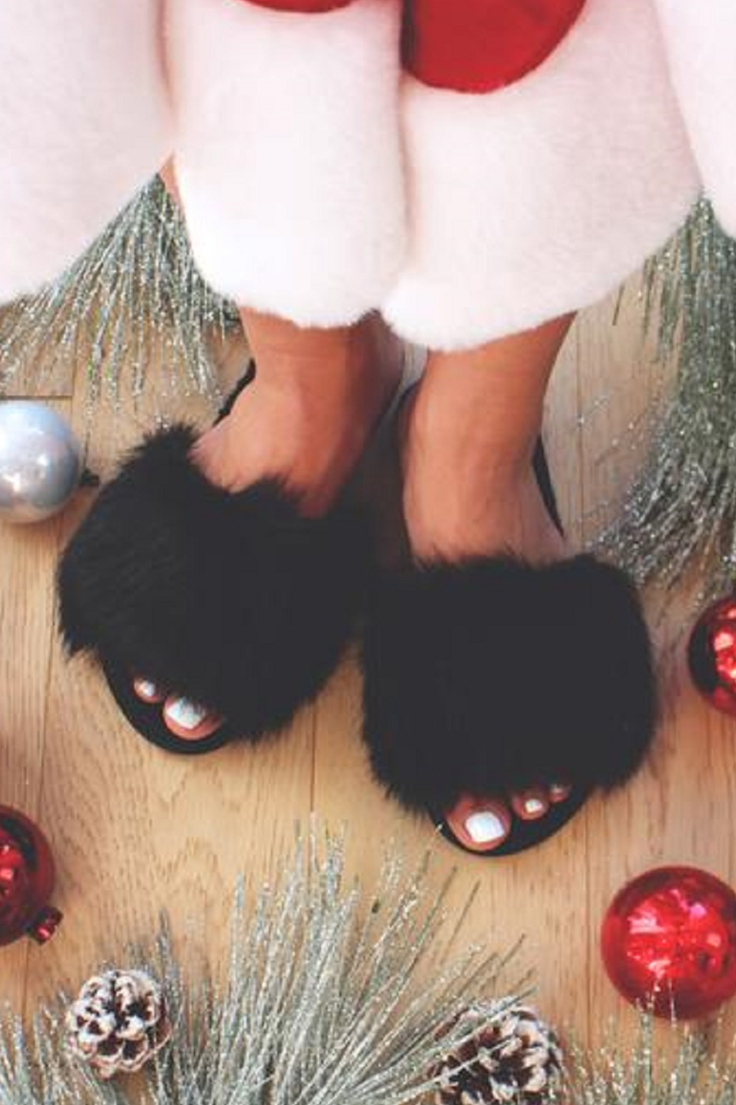 MALVADOS Fuzzy Slippers - Front Full Image