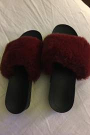 Forever 21 Fuzzy Slippers Burgundy Red Size 6 1/2 W - Product Mini Image