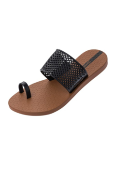 Ipanema Gadot Sandal - Alternate List Image
