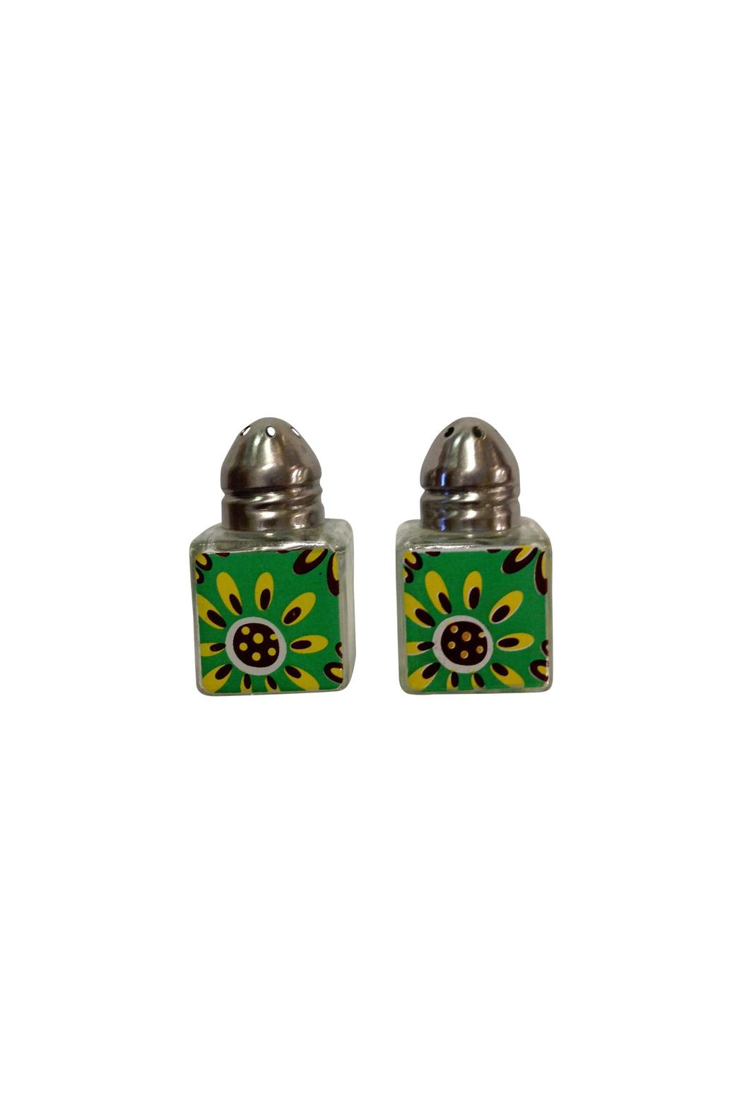 Ganz Green Salt/pepper Shakers - Front Cropped Image
