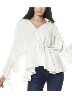 Gracia Gathered Sleeve Top - Alternate List Image