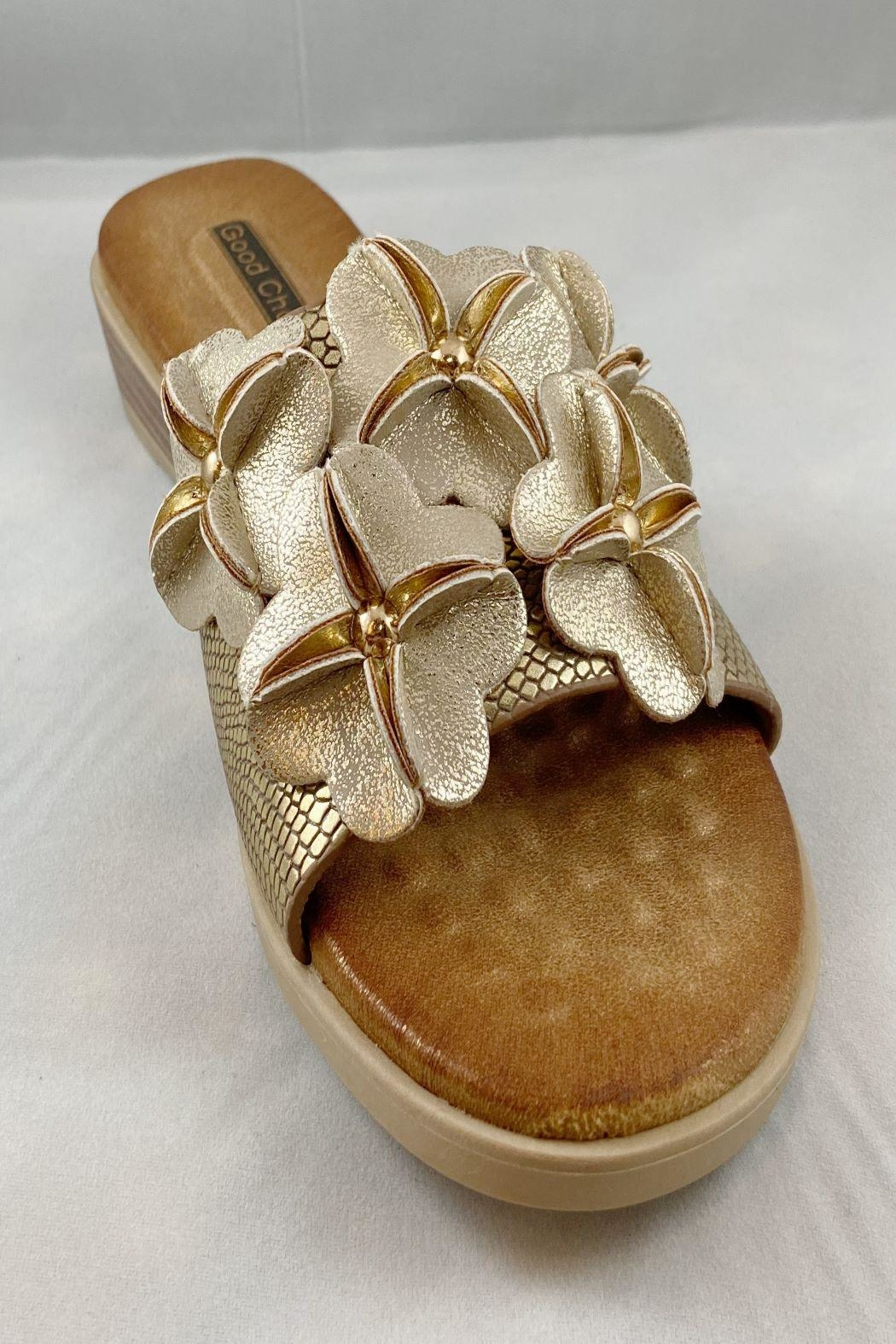 gc shoes Lainey-Slide With Flower - Front Full Image