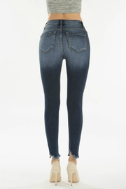 Kan Can GEMMA HIGH RISE DARK WASH - Back cropped