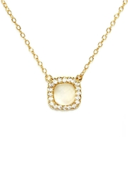 Gemma Collection Elegant Pearl Necklace - Front cropped