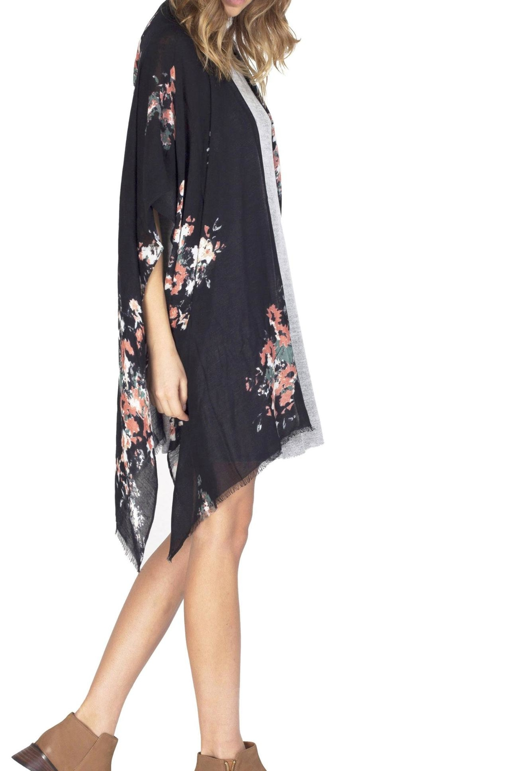 Gentle Fawn Floral Rally Kimono - Front Full Image