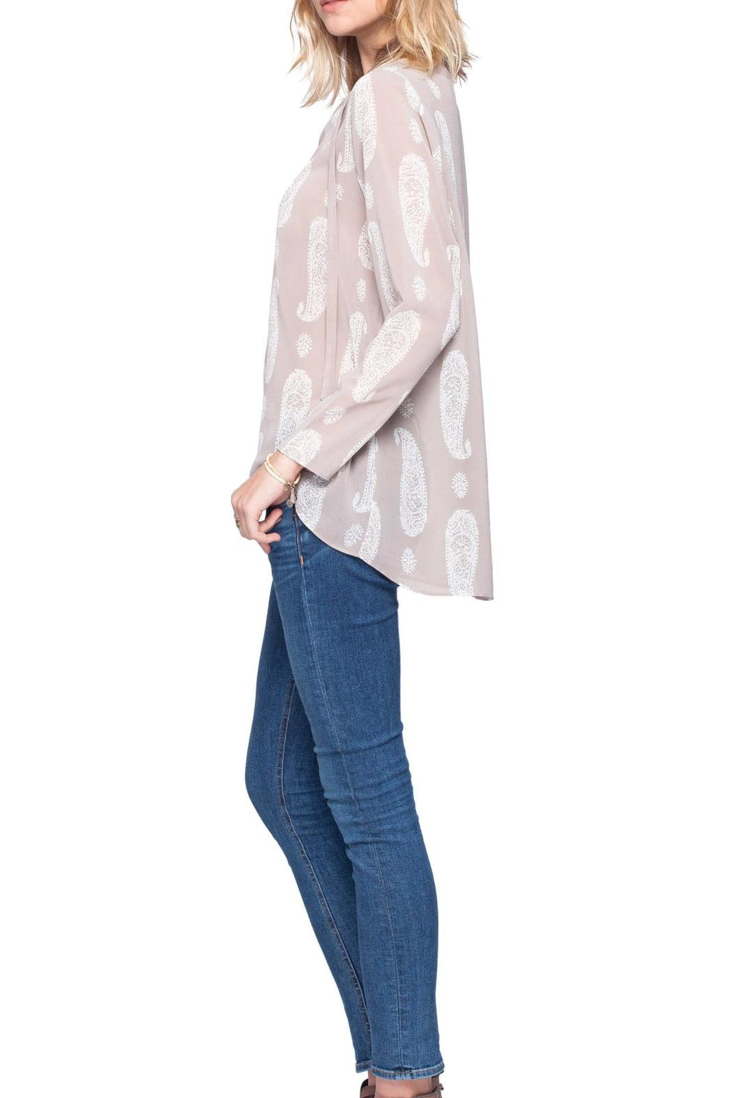 Gentle Fawn Paisley Print Top - Side Cropped Image