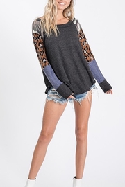 TONY MARY  GEO AND ANIMAL PRINT CONTRAST MIXED TOP - Front full body