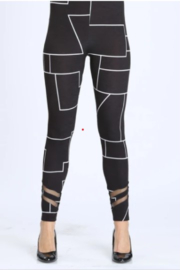 IC Collection Geometric Leggings - Front cropped