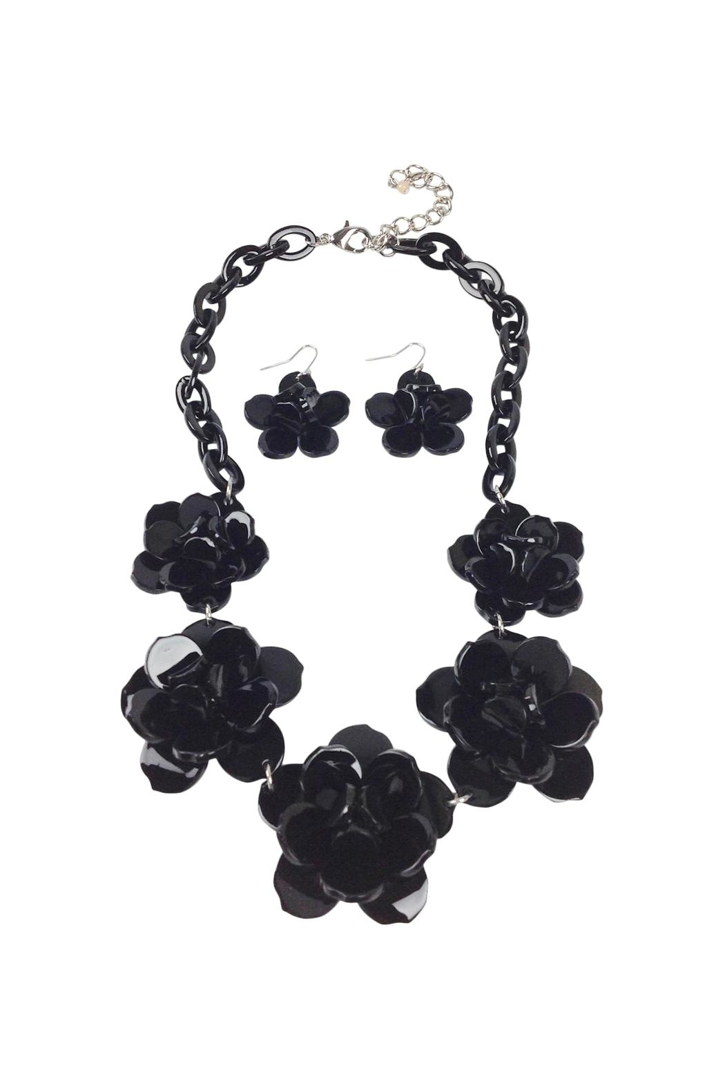 GHome2 Plastic Flower Necklace - Main Image