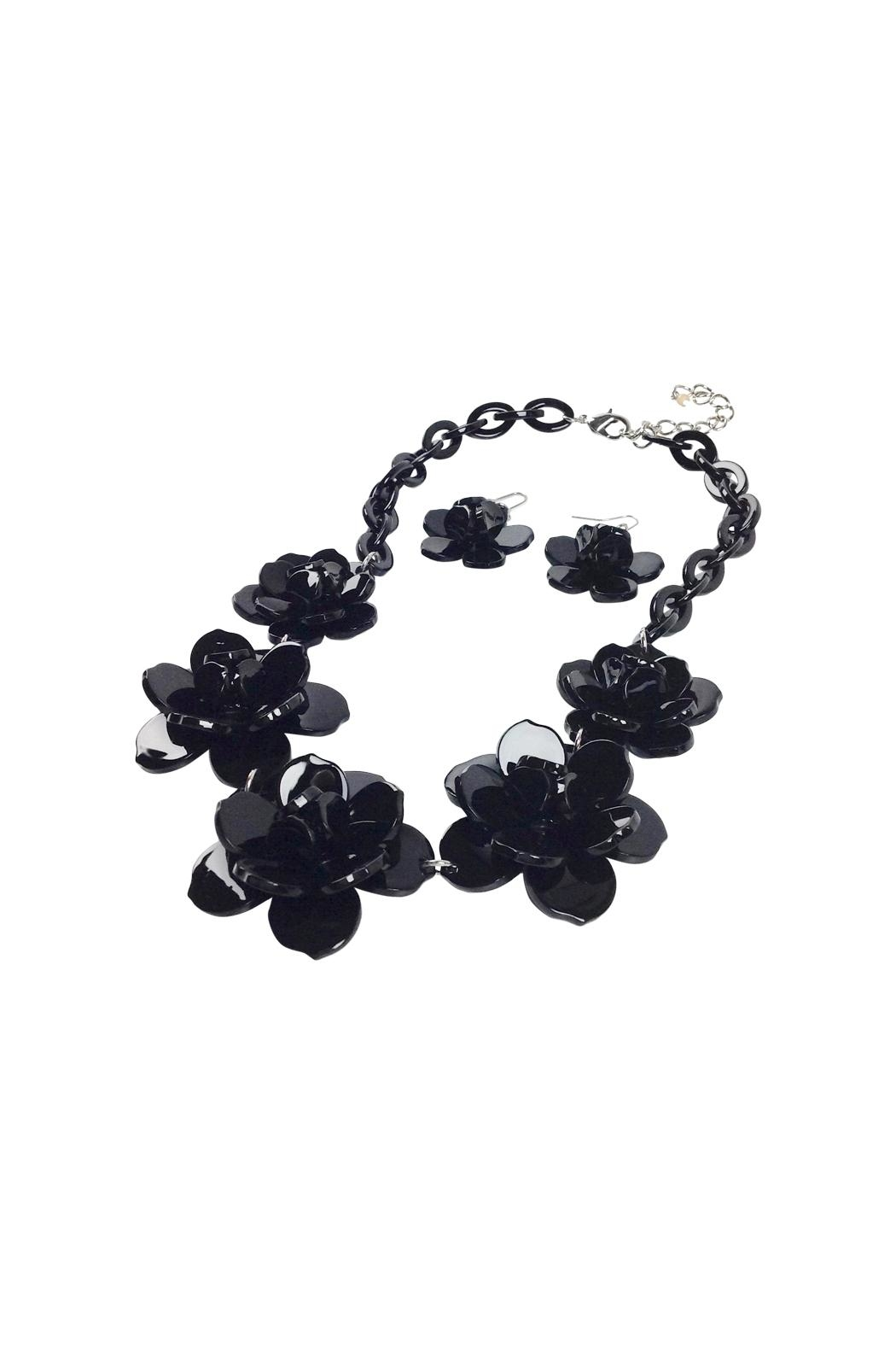 GHome2 Plastic Flower Necklace - Front Full Image