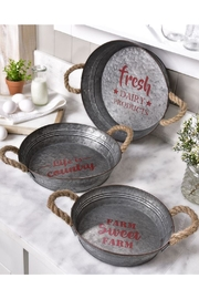 Giftcraft Inc.  Metal Tray Set - Front cropped