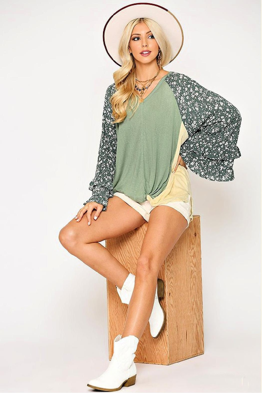 GiGiO Ditsy-Floral Color-Block Top - Side Cropped Image