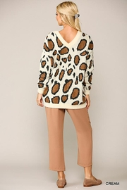 GiGiO Leopard Pattern V-Neck Soft Sweater Top - Side cropped