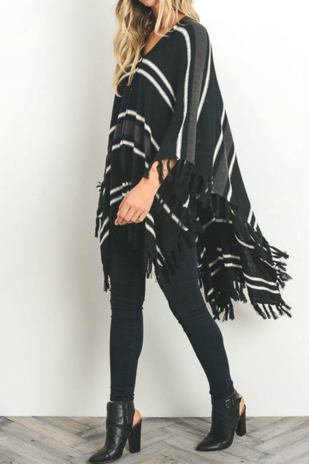 Gilli Button Front Poncho - Side Cropped Image