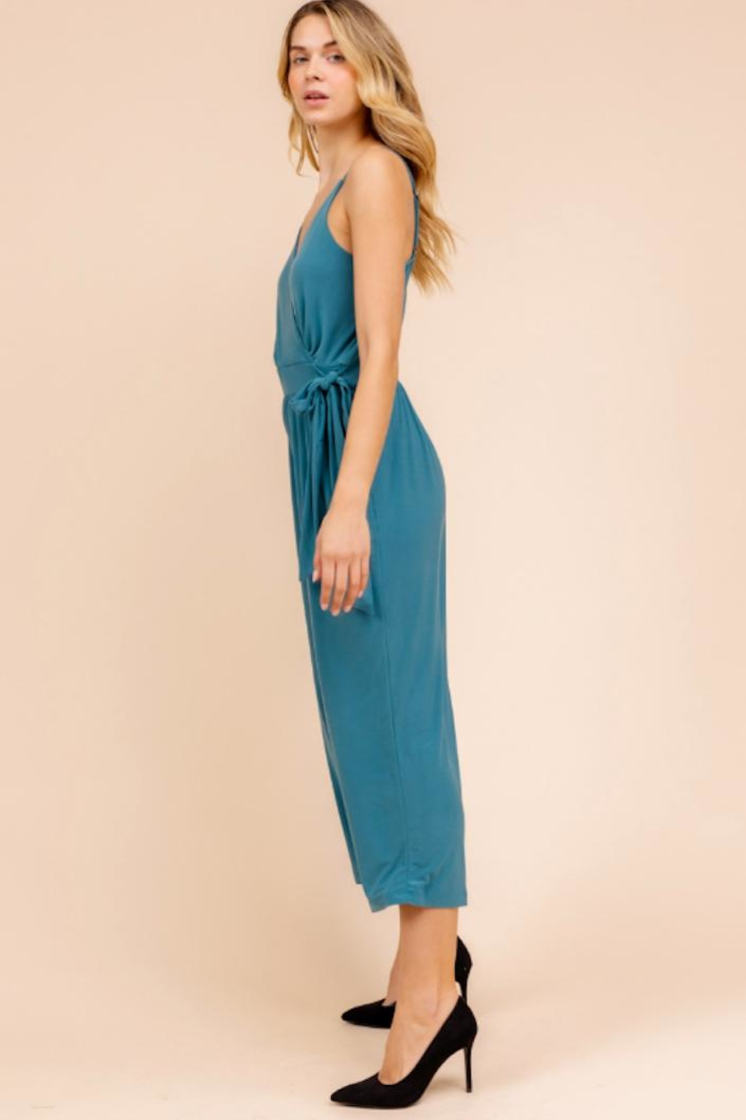 Gilli Cropped Jumpsuit - Side Cropped Image