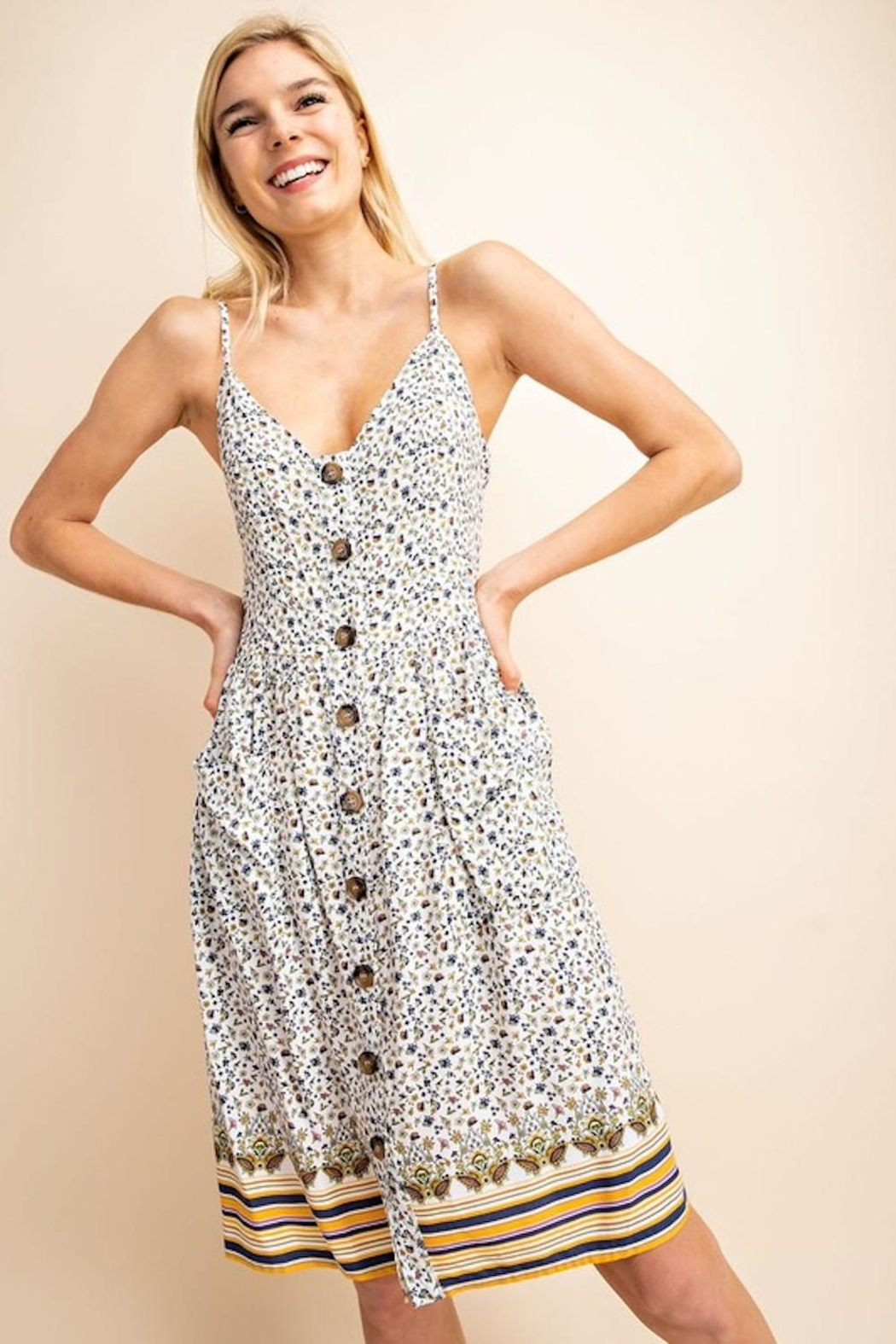 Gilli Dainty Floral Midi - Back Cropped Image