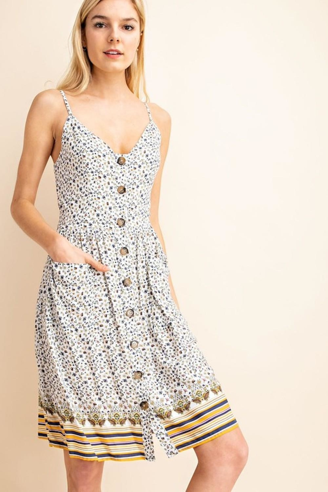 Gilli Dainty Floral Midi - Side Cropped Image