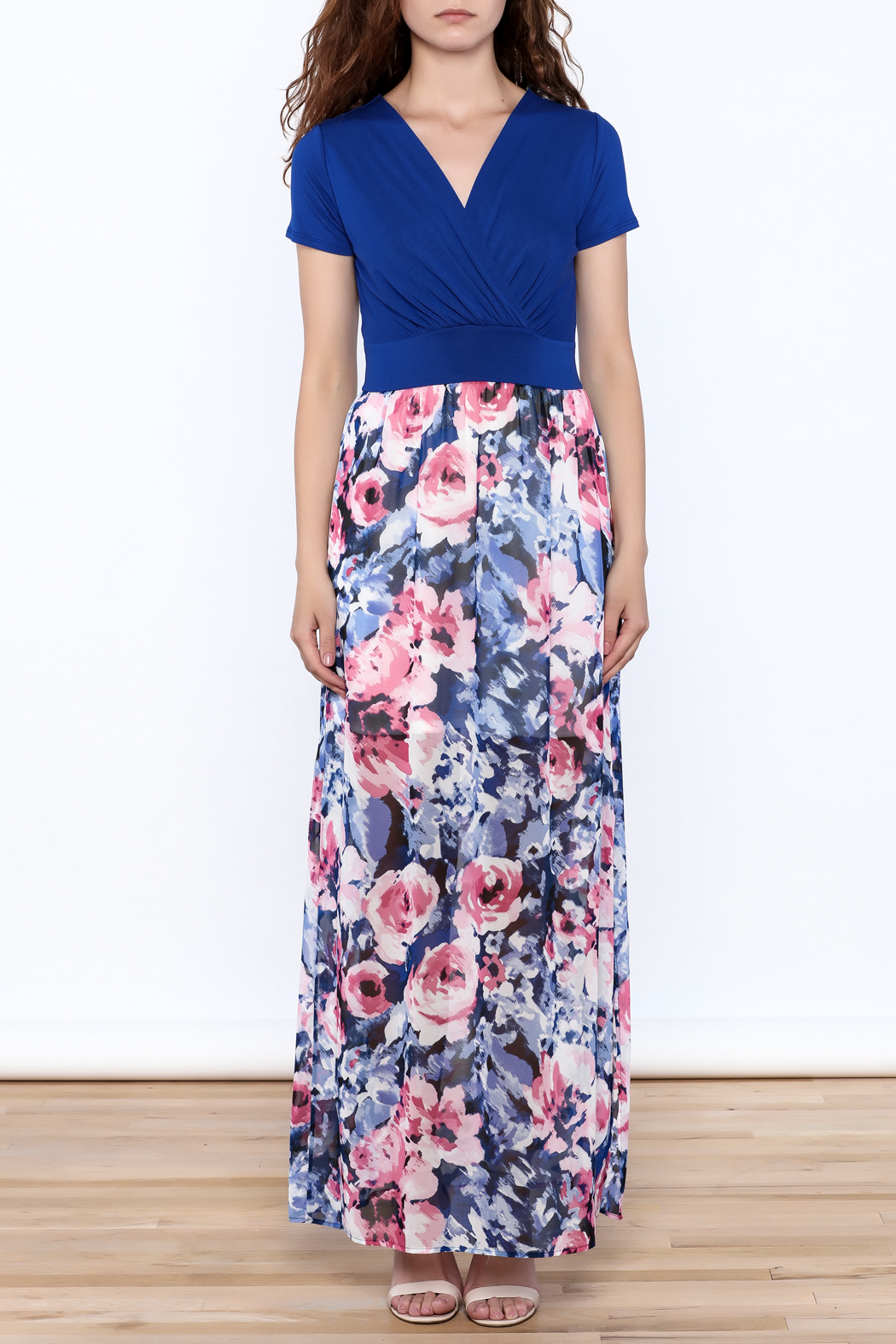 Gilli Blue Floral Maxi Dress - Front Cropped Image