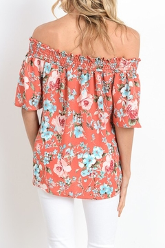 Gilli Of Shoulder Floral Top - Alternate List Image